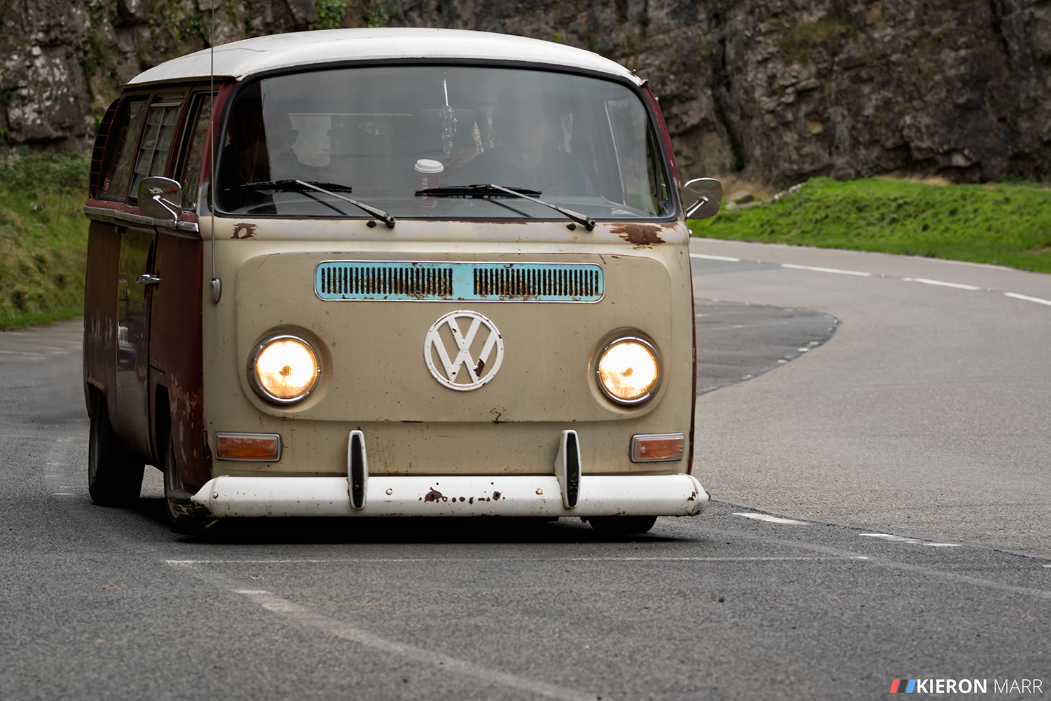 Low VW van rat looking